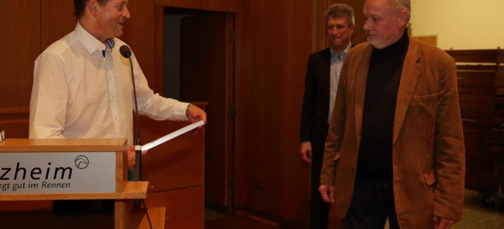 Gruppenobmann Hans Divo 30 Jahre Schiedsrichter
